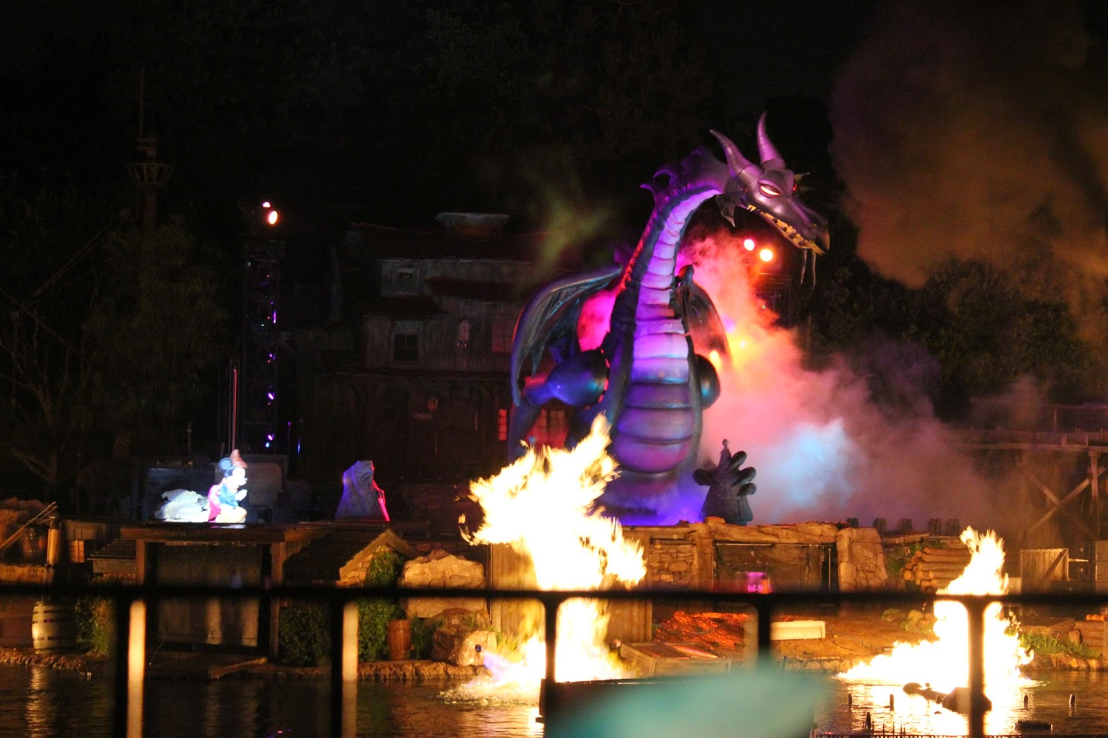 Fantasmic! Premium Dining Experience Review and Tips